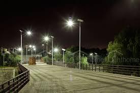 پایه چراغ برق معابر